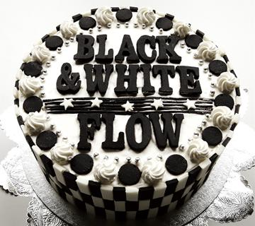 Album BLACK & WHITE by FLOW
