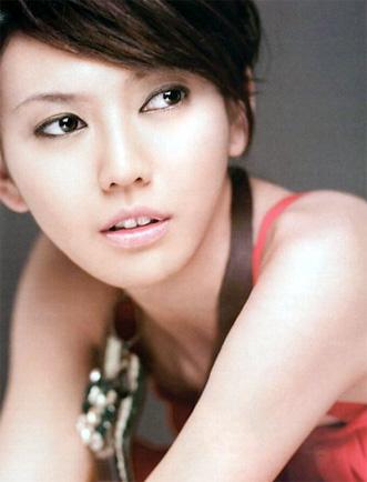 Stefanie Sun: The Most Famous Singer in Singapore