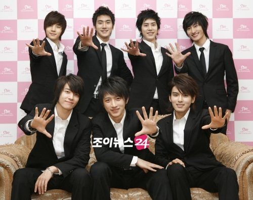 The Rest of SuJu M Accompanies Siwon and Donghae to Taiwan