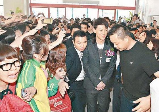 Raymond Lam Becomes Sex Symbol