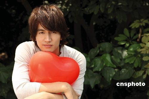 [Jpop] Jerry Yan Wins Poll Against Show Luo and Ming Dao
