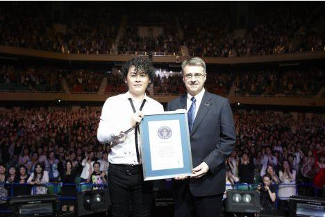 [Jpop] Kawamura Ryuichi Breaks World Record And Performs In Thailand