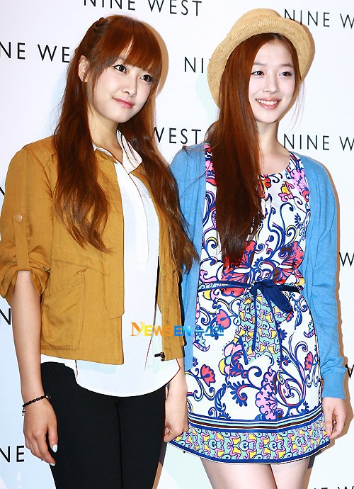 G.NA and f(x)'s Victoria and Sulli Attend Nine West Event