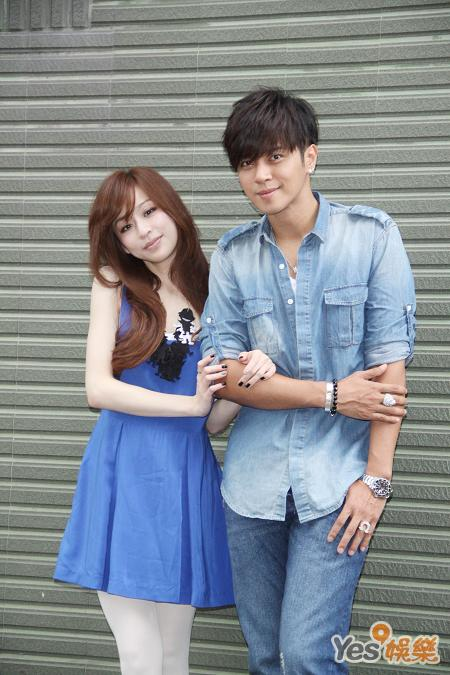 Cyndi Wang And Show Luo Film MV Together