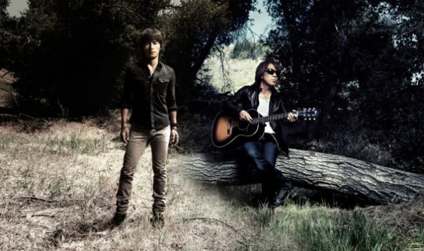 C'mon and Checkout B'z New Summer Album!