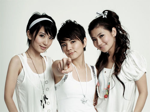 Rumors Of Ella Chen's Marriage + Selina Jen's Wedding Confirmed