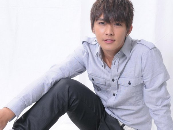 [Cpop] Aaron Yan Discusses Differences Between Fahrenheit & Solo Career