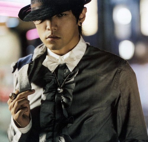 "Jay Chou Begins Work On New Movie ""Secret 2"""