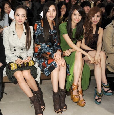 [Kpop] Jolin Tsai and SNSD Girls Spotted at London Fashion Week
