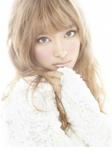 [Jpop] ROLA Debuts With Her First CD