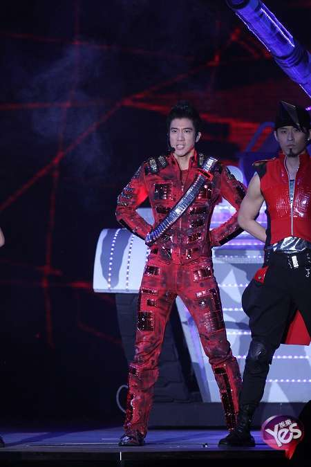 Lee Hom Wang To Be 1st Singer To Perform At Beijing's Bird's Nest