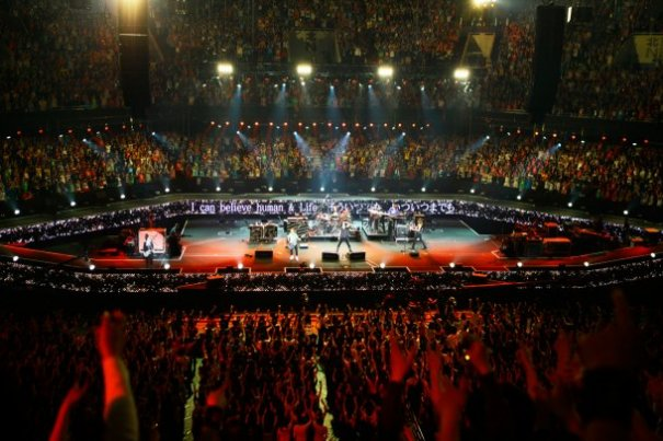 GLAY's Finale of 51-Date Tour at Nippon Budokan