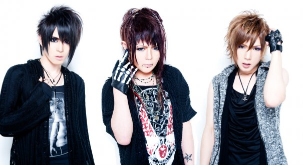 [Jrock] xTRiPx's Reveals their New Look and New Releases