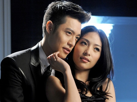 [Cpop] Nick Chou Afraid To Get Intimate With Female Dancer For New MV