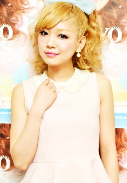"Kana Nishino To Provide Theme Song To ""Fruit Juice Gummy"" CM"
