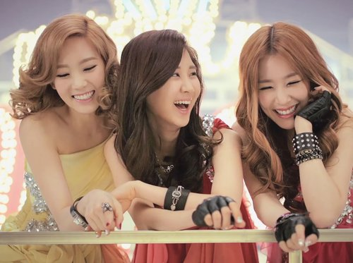 [Kpop] Taetiseo Chooses Sunny As The SNSD Member Who Most Likes To Act Pretty