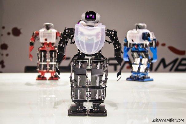 Robots Dance To K-pop Music