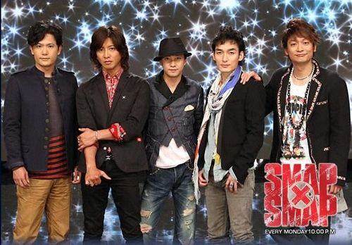 "SMAP Picks the Perfect Gift for ""SEVEN and i"" CM"