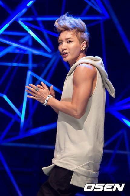 Leeteuk Wants Super Junior To Collaborate With AKB48