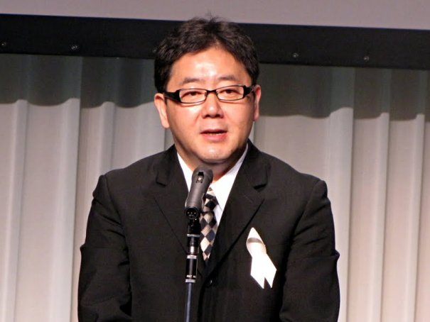 "AKB48 Producer Yasushi Akimoto To Collaborate With Magazine ""Shukan Bunshun"""