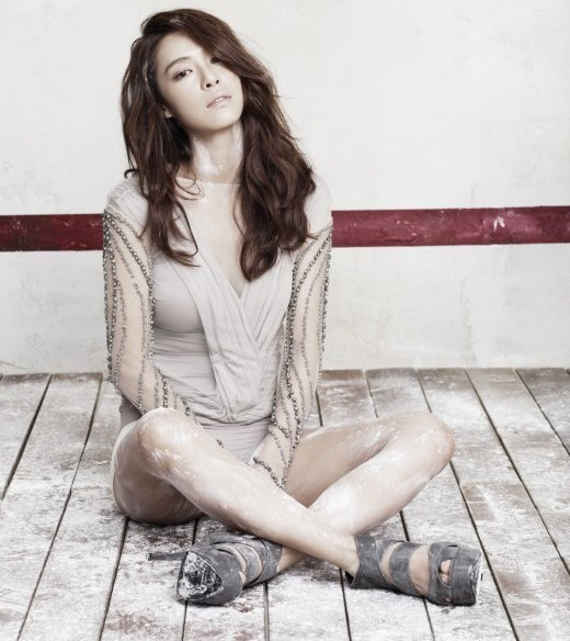 Kahi Makes Surprise Appearance At After School Fan Meeting