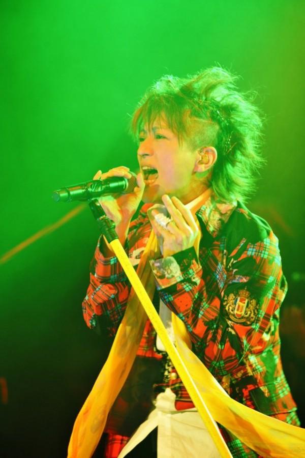 [Jrock] L'Arc~en~Ciel's Tetsuya To Release New Live DVD
