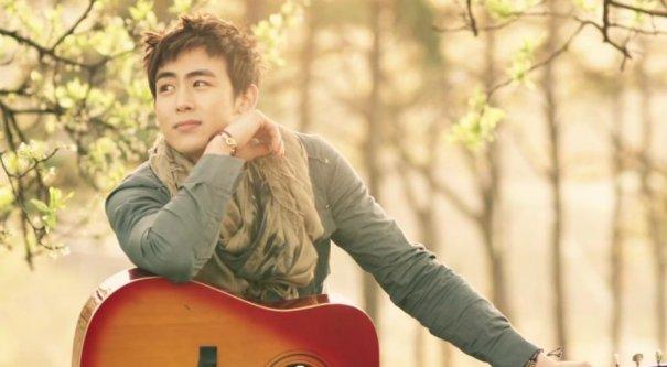 2PM's Nichkhun Ends His Hiatus