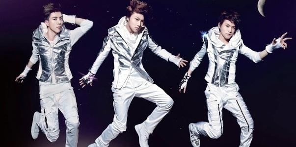Jay Hong Produces a New Song,