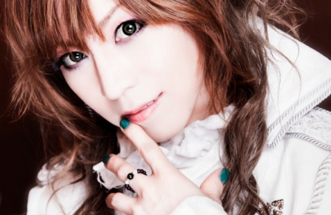 "Satsuki Releases PV DVD ""MOULIN ROUGE"""