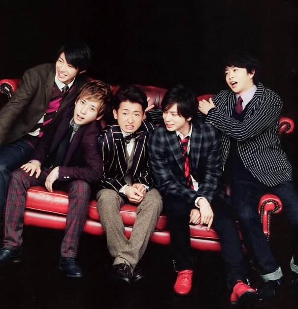 "Arashi's New Single ""Calling/Breathless"" Sets Group's Record For Best First Week Sales"