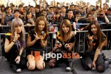 SCANDAL Holds Autograph Session In Singapore