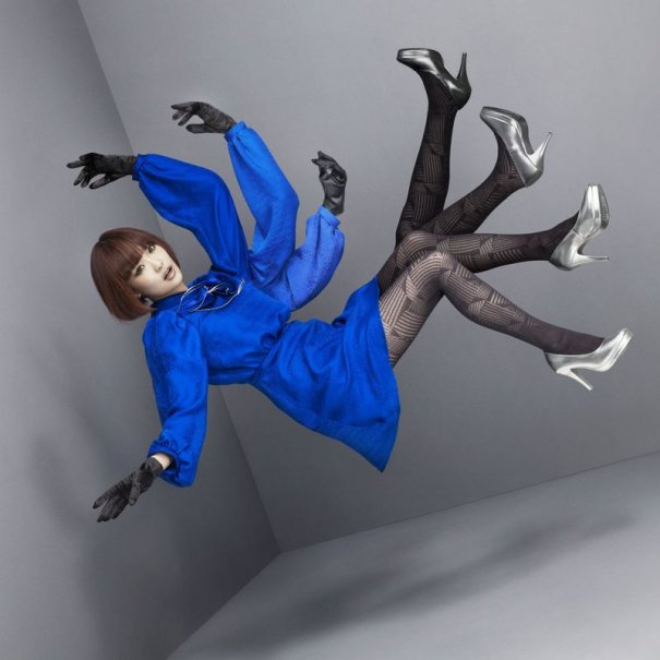 Yun*chi Releases New Abstract PV
