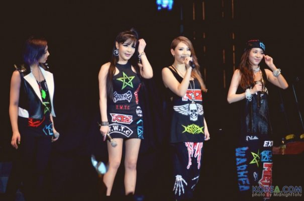 2NE1 Lights Up Stage in Malaysia