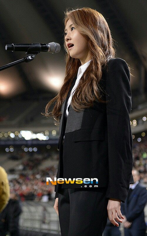 [Kpop] Ga Yoon Sings Korean National Anthem At '2014 Brazil World Cup' Qualification Match