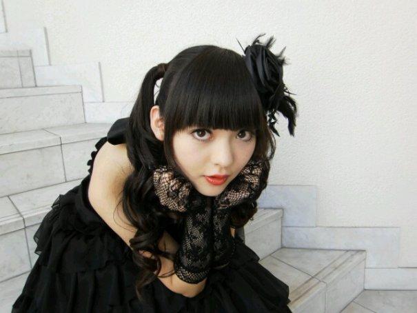 """Sumire Uesaka to Sing Opening Theme for Second Season of """"Genshiken"""""""
