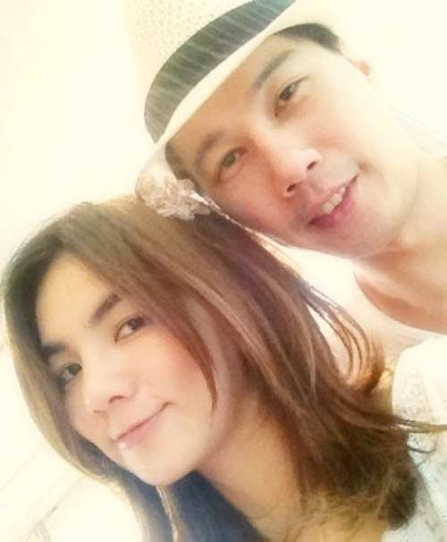 S.H.E's Ella Chen Celebrates First Wedding Anniversary