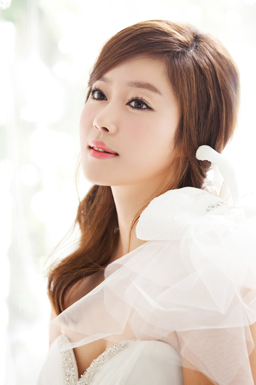 Former Jewelry Member Lee Ji Hyun Pregnant With 1st Child
