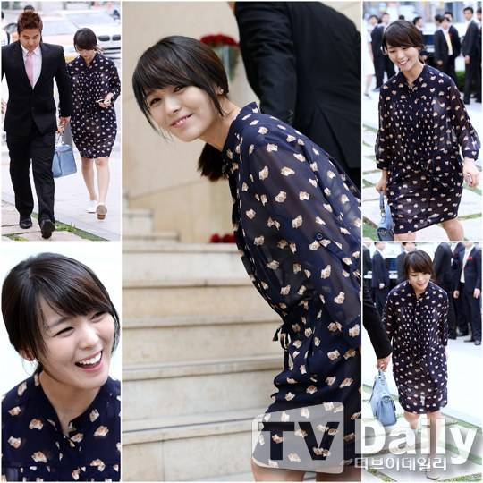 [Kpop] Wonder Girls' Sunye Spotted Attending Friend's Wedding