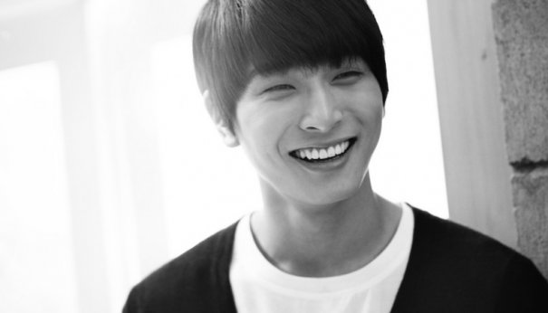 [Kpop] 2AM's Jinwoon Involved In Car Accident With 25-Ton Truck