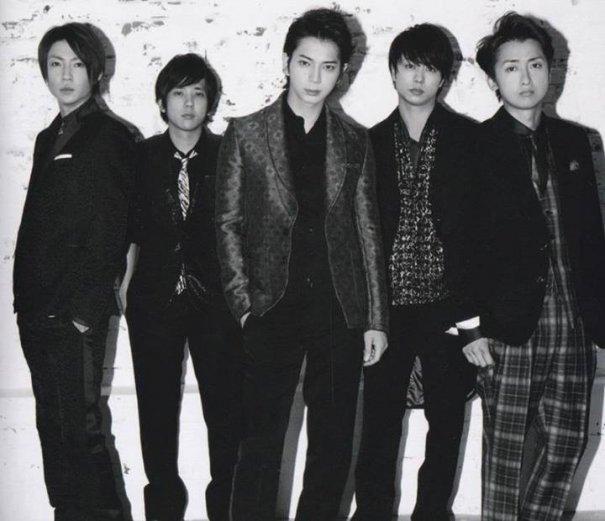 Arashi Tops Oricon Best Selling Album Chart
