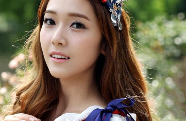 [Kpop] Girls' Generation's Jessica Bruised By Hong Kong Airport Security