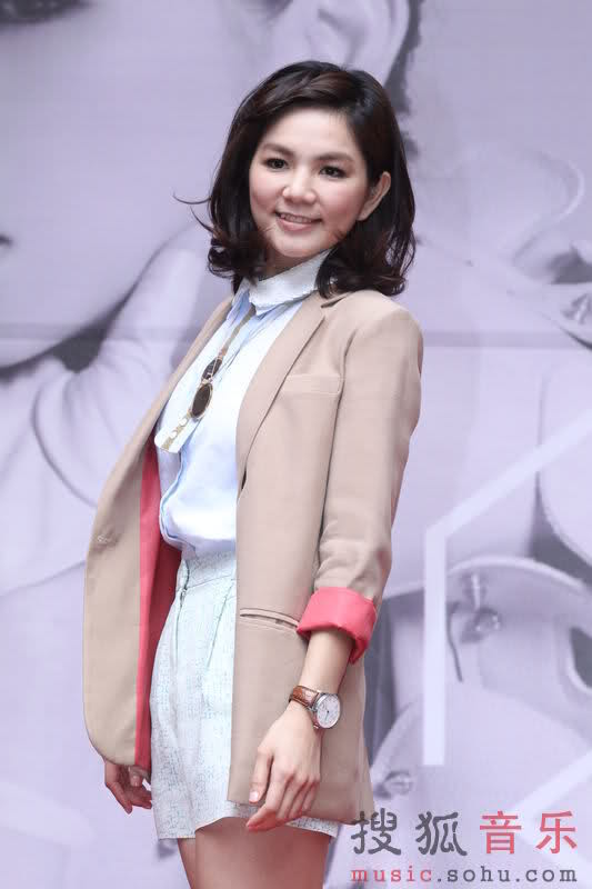 S.H.E's Ella Chen Plans To Have A Baby In 2015