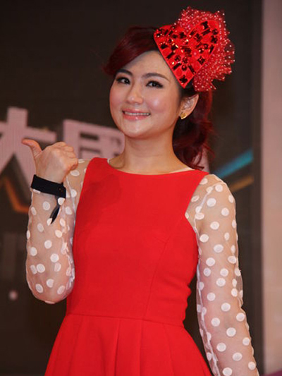 S.H.E's Selina Jen Undergoes Scar-Removal Laser Treatment