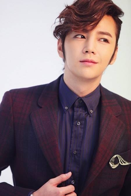 Jang Geun Suk To Finish College With A Special Award