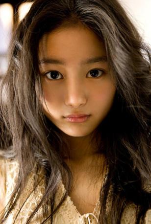 "Shiori Kutsuna To Join Takeru Sato In ""Bitter Blood"""