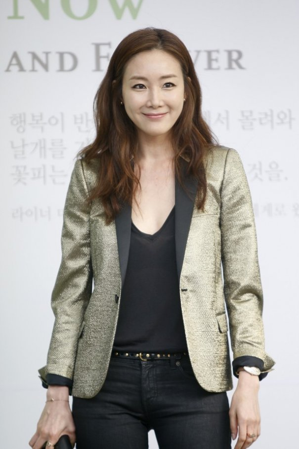 Korean Actress Choi Ji Woo Joins YG Entertainment