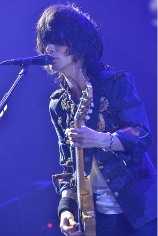 [Jpop] BUMP OF CHIKEN's Motoo Fujiwara Undergoes Surgery For Peumothorax