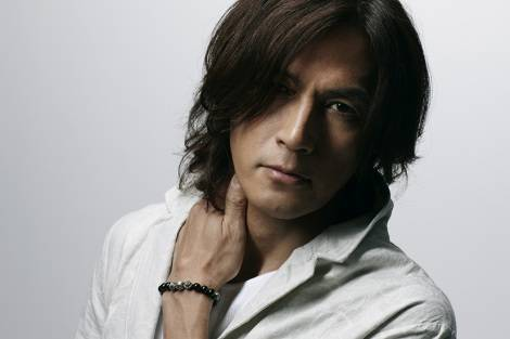"B'z's Vocalist Koshi Inaba To Release New Solo Album ""Singing Bird"""