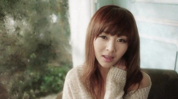 "G.NA Delays ""Pretty Lingerie"" Release"
