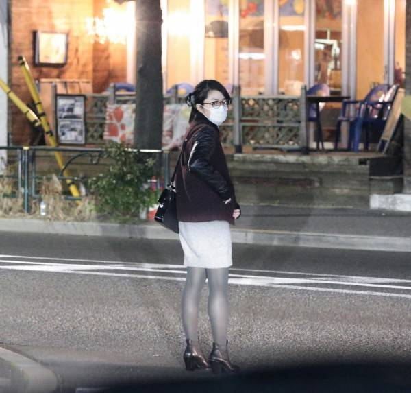 Arashi's Jun Matsumoto Photographed Late At Night With Inoue Mao